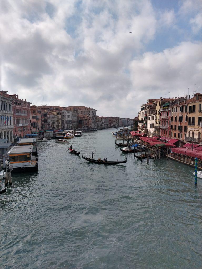 the view from the ponte di rialto